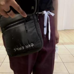 Cav Empt skulder taske / cross body bag  Japansk lavet af høj kvalitet Brugt få gange Top kondition 9/10