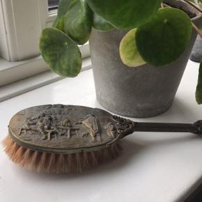 Smuk gammeldags børste til pynt