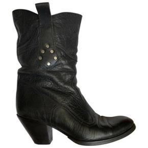 Coole Buttero støvler i sort skind. Er forsålede. Ny pris 3200kr