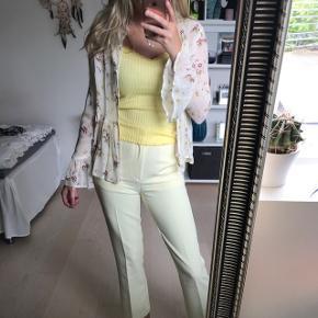 Bluse eller cardigan