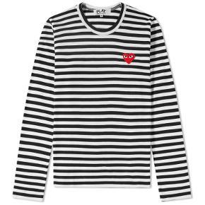 Klassisk velholdt Play langærmet t-shirt i str. medium.  Jeg handler kun via mobilepay.
