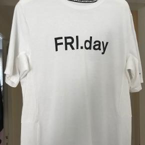 Nike SB x Soulland Dry Skyline T-Shirt Str: L byd