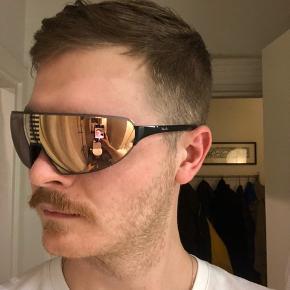 Rapha solbriller - normalt lavet til cykelsport - lidt for små til mig.