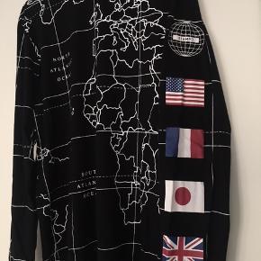 Stampd longline og longsleeve t-shirt købt i Atlanta. Modellen hedder vidst Worldwide.