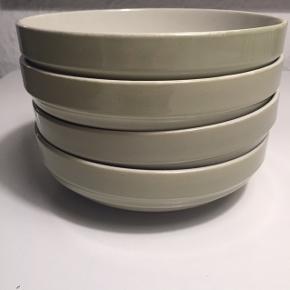 Skål   morgenmadsskål   serveringsskål fra Søstrene Grene  H: 4,5 cm Ø: 16 cm  Perfekt stand Prisen er fast og for alle fire