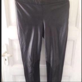 Læderbukser Læder foran, polyester bagpå og ruskind ved knæ