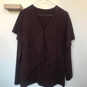 Bluse fra COS, str. S, aldrig brugt og er helt ny 🛍 nypris 500kr, bytter ikke og køber betaler fragt 😊