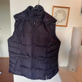 Peppercorn Vest