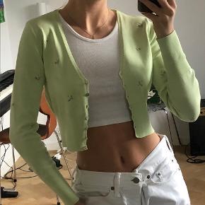 Zara cardigan top 💚 Aldrig brugt Fitter xs - s (er selv en small og vil nok sige den bedst fitter en xs)
