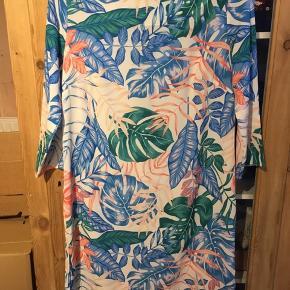 Smuk kjole! Kun brugt 1 gang! Ny pris 599kr! 😍