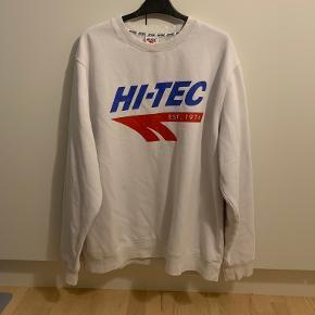 Hi-Tec sweater