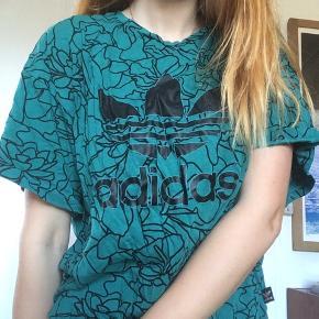 Fed tshirt fra adidas ✨💪