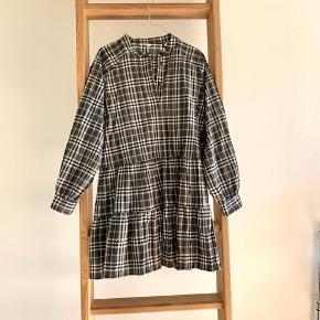 Smuk kjole fra Envii. Brugt få gange.   #30dayssellout