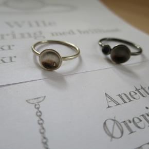 Du er velkommen til at byde på de forskellig smykker:-)