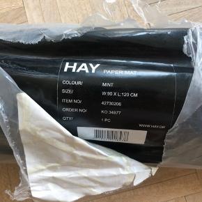 Hay gulvtæppe 90x120 cm Aldrigt brugt. Stadig i original indpakning.  Bud modtages.