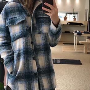 Super smuk termo jakke. Str M Nypris : 1200kr