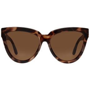 Flotte solbriller fra le specs, brugt de en sommer.