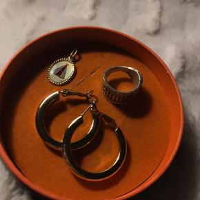 Sælger diverse smykker, 50kr pr del  BYD LØS💗 #30dayssellout
