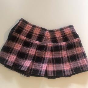Miniskirt fra Black no. 1 i Kbh, som jeg desværre ikke kan passe mere☁️