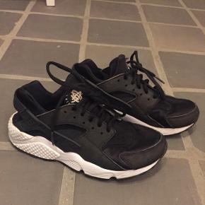 Nike Huarache  Str: 38,5  Cm 24,5