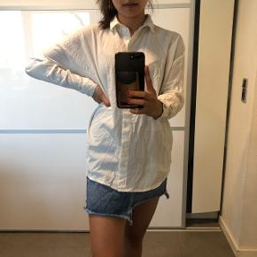 Oversize hvid skjorte fra Vero Moda Str: xs Byd :)