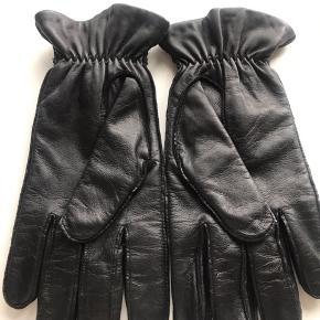 Super lækre skind handsker - aldrig brugt. Str L - til herre.