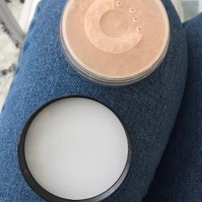 """Brugt 4 gange.  Købt i august 2020.  Farven er """"soft beige"""" (warm)"""
