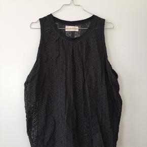 Smuk bluse til over trøjer eller med en bh under 😍