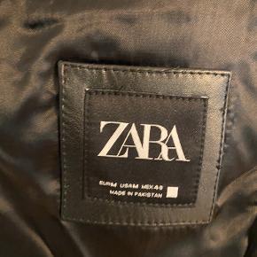 Zara skind- & læderjakke