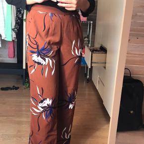 Blomster bukser fra Vero Moda