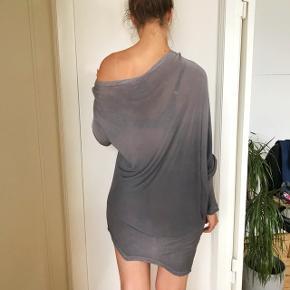 asymmetrisk kjole som også fint kan bruges som bluse.