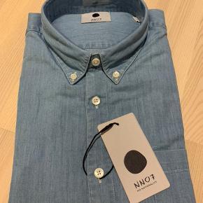 NN07 skjorte. Str L. Ikke brugt