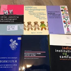 Fagbøger til pædagogudd. og andre uddannelser. Sælges billigt. Gi' et bud 😊