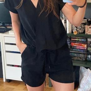 Black Lily buksedragt