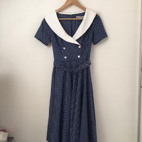 50'er inspireret kjole, brugt en gang.