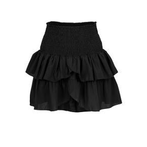 BYD! Skal af med alt! Kom med bud!   Sælger min helt nye neo noir nederdel i sort, byd