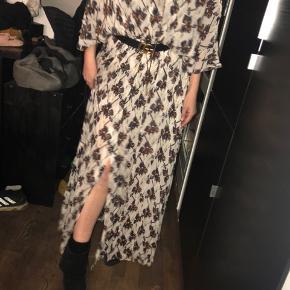 Super fed kjole str 4