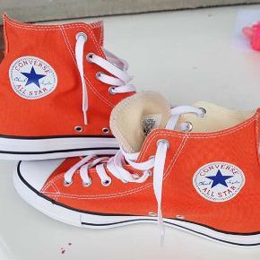 All Stars i flot orange farve som aldrig er brugt da de er lidt for store