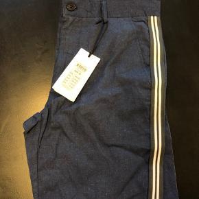 Lækre Lindbergh shorts. Fik aldrig brugt dem til sommer. Det er trods alt Danmark. De kan købes billigt.
