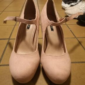 Jumex Heels