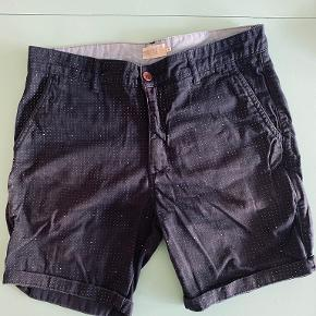 Pier One shorts