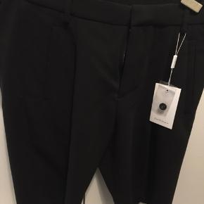 Helt nye shorts  Nypris 699