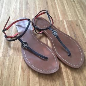 Klassisk sandal.