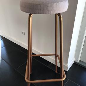 To barstole150kr pr stk Sælges samlet