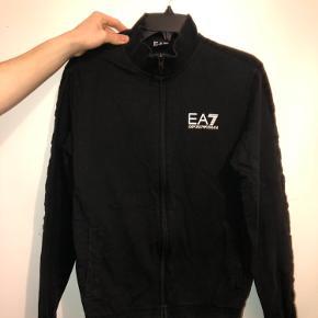 EA7 anden overdel