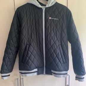 Supreme Champion jakke fra 2014. Jakken kan bruges begge veje, som man også kan se på billederne.