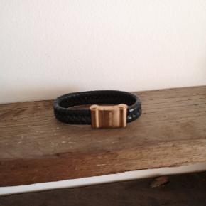Super flot læder armbånd fda Police sælges.