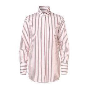 Varetype: Skjorte Farve: Se billede Oprindelig købspris: 1399 kr.  Flot skjorte, aldrig brugt. Mp 400,-pp