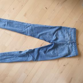 Enblake Jeans Crop fra Envii. Mid waist