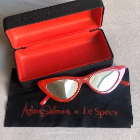 Selling my red babies Le Specs, hard to give up on them but hopefully you are going to be their new match ❤️